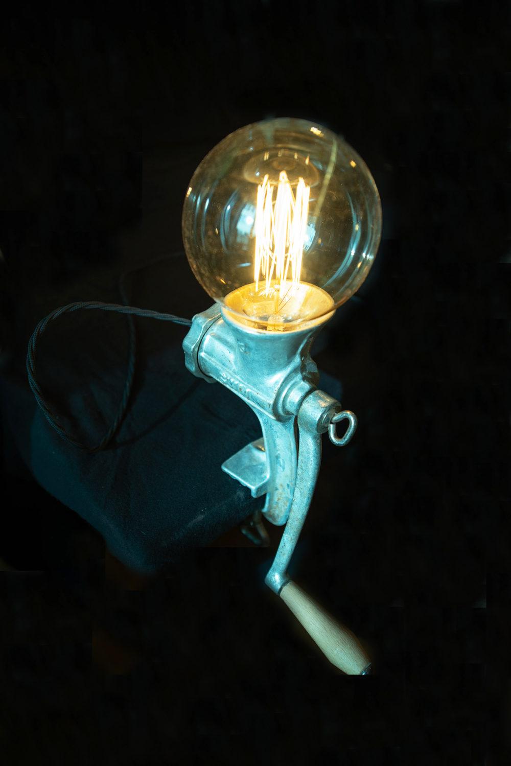 Upcycling Lampe aus Fleischwolf