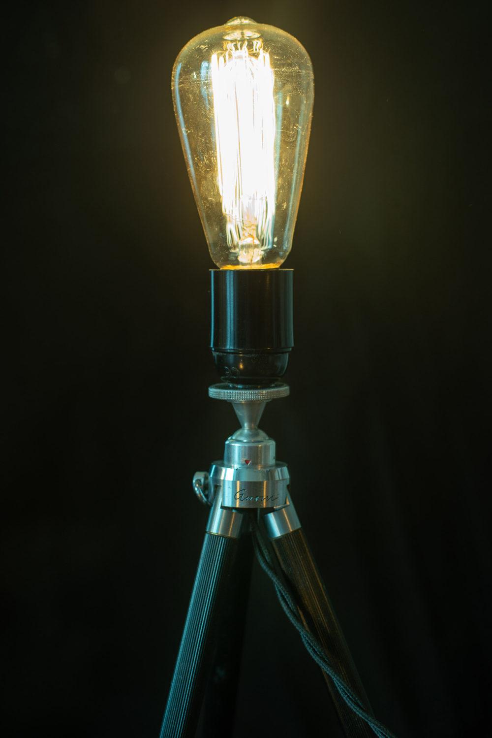 Upcycling Lampe aus Stativ